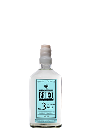 The front of the bottle Bruxo 3 Barril