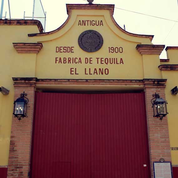 The front of the Llano Distillery